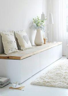 Banc : Caissons ikea laqué blanc avec planche de bois
