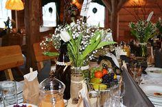 Dekoracja stołu weselnego. Rustykalnie i pięknie!