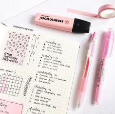 Neat weekly spread idea for bullet journal with quote and habit tracker Bullet Journal Graphics, Bullet Journal Prompts, Bullet Journal Notes, Bullet Journal Junkies, Bullet Journal Spread, Bullet Journal Layout, My Journal, Bullet Journal Inspiration, Journal Aesthetic