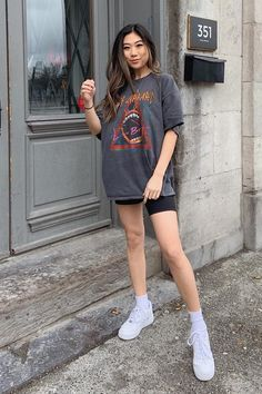 style 2019 teens Casual Fall Fashion Ideas For Women 2019 Athleisure Outfits Casual Fall fashion Ideas Style Teens women Legging Outfits, Athleisure Outfits, Pants Outfit, Black Shorts Outfit Summer, Shorts Ootd, Leggings Outfit Summer Casual, Nike Shorts Outfit, Tights Outfit, Casual Shorts