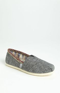 TOMS - love the trim