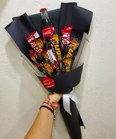 Super Gifts For Men Who Have Everything Birthdays Valentines Day 26 Ideas Man Bouquet, Candy Bouquet Diy, Food Bouquet, Boquet, Boyfriend Crafts, Diy Gifts For Boyfriend, Christmas Candy Gifts, Valentine Gifts, Diy Christmas