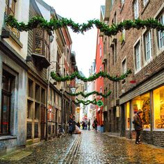 Instagram's bemytravelmuse uncovers som Christmas charm in Aachen, Germany.
