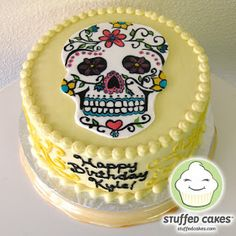 I've gotten the chance to make Day of the Dead themed cakes quite a few times and I always love decorating the sugar skulls. This cake was n. Sugar Skull Cakes, Sugar Skulls, Tattoo Cake, Halloween Cakes, Halloween Birthday, Box Cake Mix, Love Cake, Cakes And More, Themed Cakes
