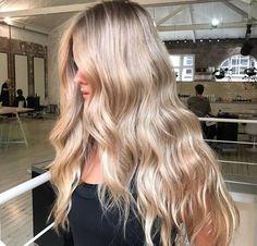long hair ideas Haar Bob Long Soft Curls 48 Ideen Perhaps, the best way to use Blonde Hair Looks, Brown Blonde Hair, Curled Blonde Hair, Red Balayage Hair, Ombre Hair, Lilac Hair, Gray Hair, Pastel Hair, Blue Hair