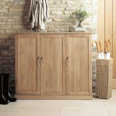 Mobel Solid Oak Extra Large Shoe Cupboard -  - Shoe Cupboard - Baumhaus - Space & Shape - 6