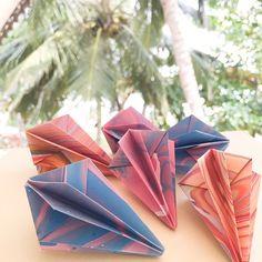 Ny DIY  #diy #doityourself #toturial #origamidiy #paperdiy #origami #kirigami #myowninstadiy #paperart #loveletter #love #homedecoration #indretning #bolig #krea #kreamig #diagram #beautiful #diamond #creative #mobile #ophæng #pynt #diamant #paperdiamond #prisme #prism #papirdiamant