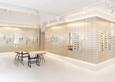 Space for its vienna flagship store eyewear shop, showroom design, apartmen Showroom Design, Shop Interior Design, Salon Design, Cafe Design, Retail Store Design, Retail Shop, Vienna Apartment, Haussmann, Eyewear Shop