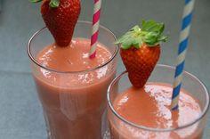 Rhabarber Erdbeeren Bananen Smoothie gemacht mit Thermomix