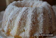 Senzačná Raffaello bábovka s vanilkovým krémom   NajRecept.sk Fondant Flower Cake, Fondant Cakes, Cupcake Cakes, Fondant Bow, Fondant Tutorial, Fondant Figures, Bunt Cakes, Dog Cakes, Healthy Dessert Recipes