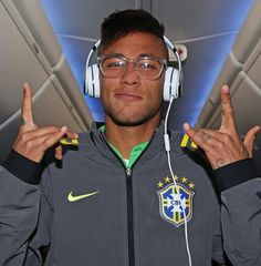 Ney Neymar Jr Wallpapers, Love You Babe, Best Player, Soccer Players, Respect, Chile, Brazil, Football Players, Chili