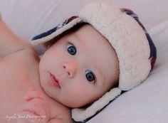 Blue eyed, winter hat