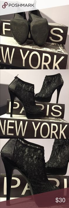 👠 Forever 21 Chic Zipper Heels 👠 👠 Forever 21 Chic Zipper Heels 👠---worn a few times only. No box included. Forever 21 Shoes Heels
