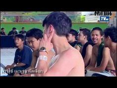 Lượng người xem: 201040 đánh giá chất lượng: 4.52. Được đăng tải ngày: 2015-06-18 18:11:58  Bản quyền video thuộc Youtube.com  Bạn đang xem Trai đẹp Mario Maurer cởi trần khám quân sự khoe body gây sốt tại website XemTet.com nội dung video: Trong lần khám sức khỏe mới nhất anh chàng nổi tiếng nhất nhì đất nước Thái Lan Mario Maurer đã khiến người hâm mộ phát sốt khi tham gia nhiệt tình