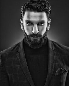 11 Pictures of Ranveer Singh Which Proves That He Is The Bearded God - Bollywood Wrap Hairstyles For Gowns, Mens Hairstyles With Beard, Hair And Beard Styles, Cool Hairstyles, Hairstyles Haircuts, Hair Styles, Ranveer Singh Hairstyle, Ranveer Singh Beard, Beard Haircut