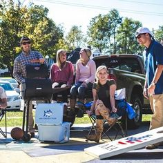 Ambassador @turneraltman proving he knows what it takes to throw a tailgate. Be sure to tag your weekend tailgating crew! #SouthernTide #STAmbassador