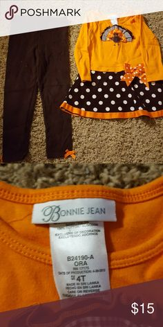 Little Girls Fall outfit Adorable Fall/Thanksgiving outfit. Worn once. Can be worn as dress alone or with leggings. Bonnie Jean Matching Sets