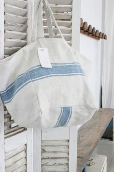Risultati immagini per cabas ana cuca Creative Bag, Bag Pattern Free, Feed Sacks, Linen Bag, Denim Bag, Fabric Bags, Big Bags, Vintage Bags, Mode Inspiration