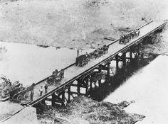 View of the first Mount Crosby Bridge during the flooding Bowen Hills, Ipswich Qld, Ancestry, Brisbane, Old Photos, 19th Century, Past, Bridge, Australia