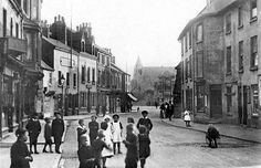 Main Street, Bulwell, Looking towards Bulwell Market Place, with the original Golden Ball on the left and the original King Billy pub on the right. Main Street, Street View, British Home, Slums, Working Class, Local History, Nottingham, Leicester, The Good Old Days