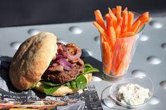 Blue Burger...  http://sofvousinvite.blogspot.fr/2013/05/blue-burger.html