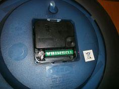 ak potrebujete väčšie batérie a nemáte, použite malé a medzeru vyplňte alobalom, ktorý je samozrejme vodivý: