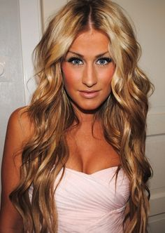 I just want hair like hers! #blonde #hair #styles