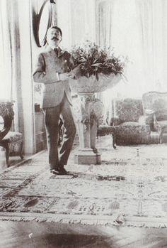 conte Robert de Montesquiou Fezensac dans sa Villa de Neully