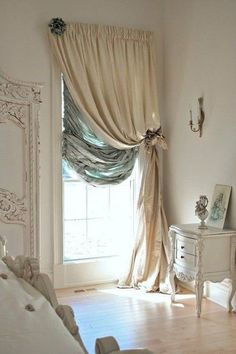 Tips & Tricks on Choosing a Minimalist Curtains. Tips & Tricks on Choosing a Minimalist Curtains. Order or buy curtains should not be haphazard. In addition to choosing an experienced curtain-mak. Shabby Chic Bedrooms, Shabby Chic Homes, Shabby Chic Kitchen, Shabby Chic Furniture, Furniture Decor, Shabby Chic Curtains, Furniture Removal, Guest Bedrooms, Master Bedrooms