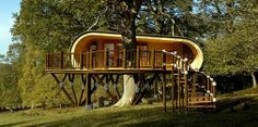 Extreme Tree Houses | Modern tree house designed by Blue Forest can be easily installed in ...