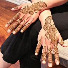 Henna'd hands for the bride's maid of honor!  Dot-work on fingers inspired by the ever so fabulous