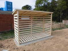 Dřevník klasik Log Store, Wood Storage Sheds, Pallets, Outdoor Gardens, Recycling, Outdoors, Gardening, Recycled Crafts, Large Sheds