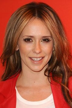 Jennifer Love-Hewitt star sign - Famous Pisces: Celebrities with Pisces star sign