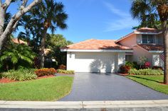 Susan Demerer: Just listed for sale in #BrokenSoundCountryClub. 2 Bedroom, 2 Bath Townhouse in Boca Raton
