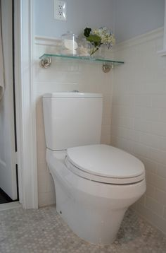 Small But Stunning Bathroom Design With White Subway Tiled