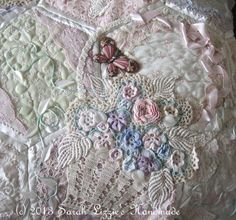 Sarah Lizzies: Oh no......not another hexagon quilt!!