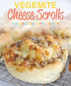 Step by step instructions on how to make these easy and delicious cheese and vegemite (or other fillings) scrolls, a great recipe for lunchboxes. Lunch Box Recipes, Great Recipes, Lunch Ideas, Yummy Recipes, Recipe Ideas, Healthy Recipes, Vegemite Scrolls, Lunchbox Kids, Scrolls Recipe