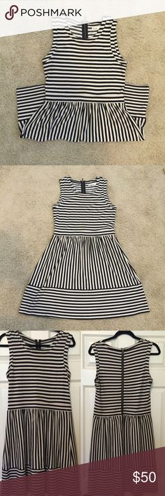 Madewell Hi-Line Striped Dress very comfortable and flattering // been worn a couple times, but still in amazing condition // zipper down the back // fabric provides stretch // size large // 90% rayon 8% nylon 2% spandex! Madewell Dresses