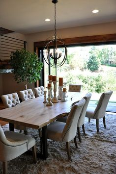These rustic dining-room concepts will show you ways to understand the country posh take a look at house. All of these rustic dining rooms are magnificent and also feature an abundance of classic furnishings and weathered timber. Dining Room Fireplace, Farmhouse Dining Room Table, Dining Room Table Decor, Outdoor Dining Furniture, Dining Table Design, Rustic Farmhouse, Rustic Table, Farmhouse Ideas, Modern Rustic Dining Table