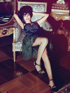 Freida Pinto in Versace.