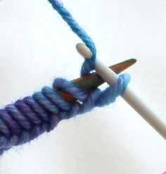Watch This Video Beauteous Finished Make Crochet Look Like Knitting (the Waistcoat Stitch) Ideas. Amazing Make Crochet Look Like Knitting (the Waistcoat Stitch) Ideas. Knitting Help, Loom Knitting, Knitting Stitches, Knit Or Crochet, Crochet Crafts, Yarn Crafts, Diy Crafts, Knitting Patterns, Crochet Patterns