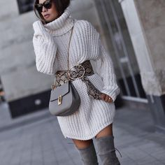 how to style a white sweater dress : crossbody bag + grey over knee boots + wide belt Spring Outfits Classy, Best Casual Outfits, Fall Winter Outfits, Ootd Winter, Winter Boots, Winter Coats Women, Coats For Women, Clothes For Women, Winter Fashion Casual