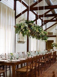 Gallery Home - Entre viñedos, una boda Rústica mesa de boda con centros florales
