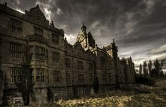 Denbigh Asylum in Wales has an amazing facade, and an equally amazing abandoned interior. Abandoned Asylums, Abandoned Castles, Abandoned Buildings, Abandoned Places, Haunted Asylums, Old Hospital, Abandoned Hospital, Haunted Places, Spooky Places