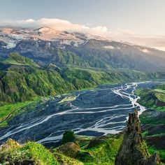 In this day trip from Reykjavik we offer you an opportunity to visit the newly emerged craters Magni & Modi that appeared in the eruption on the Fimmvörðuháls Ridge in 2010 prior to the main eruption in Eyjafjallajökull. Offering stunning views through majestic canyons, along narrow ridges crossing unbridged rivers on the way to the slopes of the mighty Eyjafjallajökull glacier with the amazing scenery og Þorsmork as a bonus.