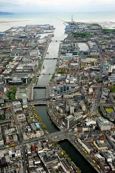 Can you spot yourselves? Insane photo of the day from the Irish Air Crops. Dublin you big ride Places To Travel, Places To Visit, Big Ride, England Ireland, Dublin City, Dublin Zoo, Ireland Homes, Ireland Landscape, Republic Of Ireland