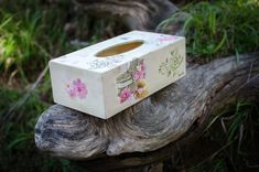 Wooden tissue box cover, table decoration, country style, decoupaged by MoxiCraftGR on Etsy Tissue Box Covers, Tissue Boxes, Decoration Table, Country Style, Decoupage, Decorative Boxes, Place Card Holders, Handmade, Napkin