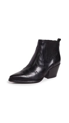 6d3ea17934c48 The Ankle Boot Style That s Not Selling Anymore