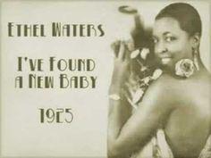 Ethel Waters (Chester, Pensilvania, 31 de octubre de 1896 - California, 1 de septiembre de 1977) fue una actriz y cantante estadounidense de blues, jazz, musicales y gospel.  Como actriz fue nominada a un Óscar, siendo la segunda afroamericana en conseguirlo después de Hattie McDaniel.  http://en.wikipedia.org/wiki/Ethel_Waters  http://es.wikipedia.org/wiki/Ethel_Waters  http://www.tcnj.edu/~dohert26/waters