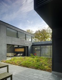 Tranquility of a Waterfront Residence: The Lojan House in Delaware